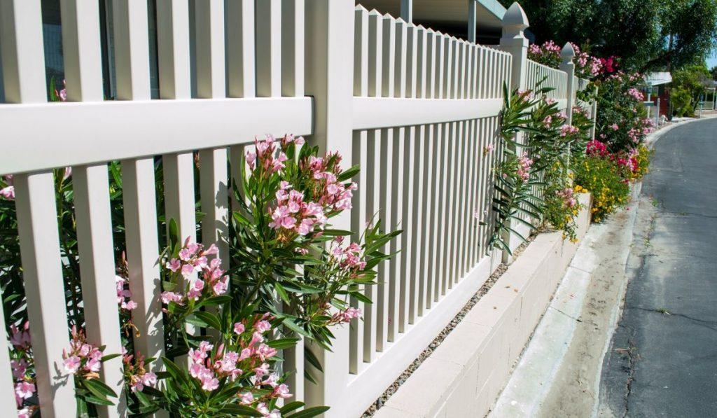 vinyl garden fence