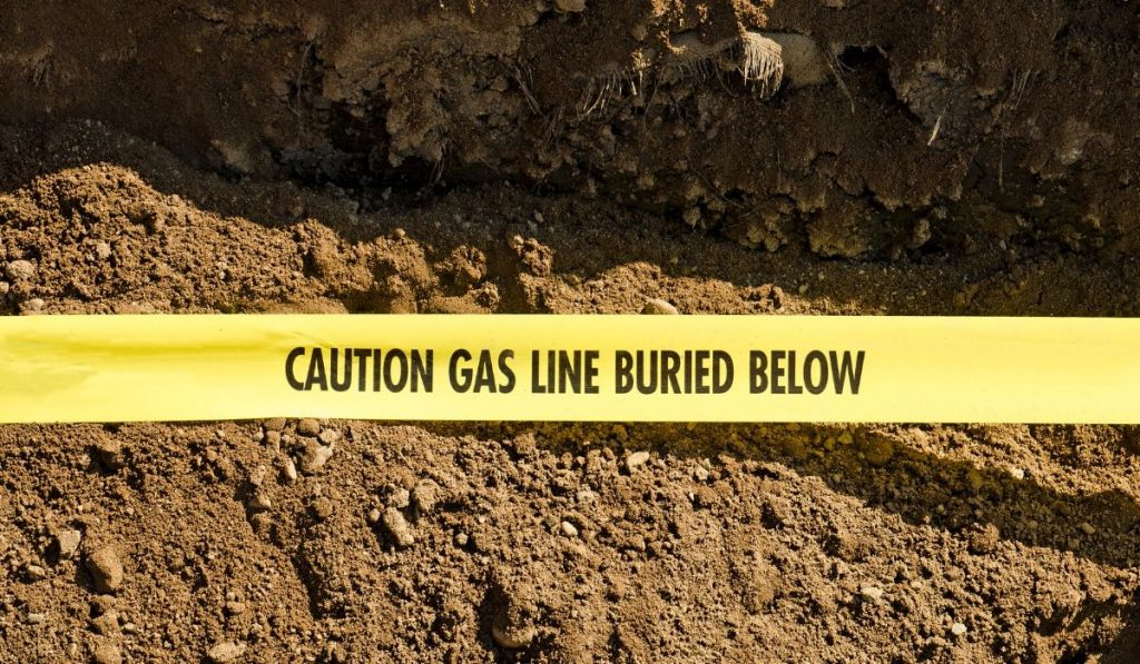 gas line warning in topsoil