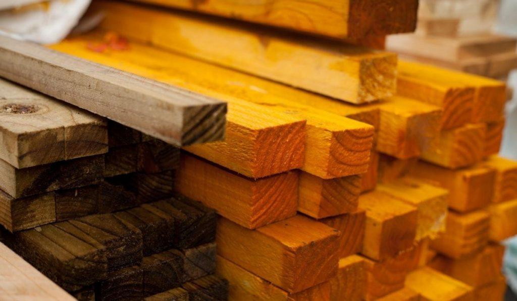wood board treaded