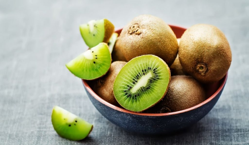 Sliced Kiwi in the plate